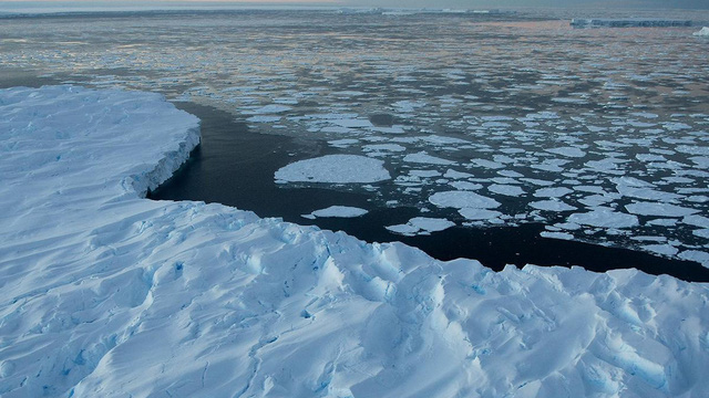 """Khoa học cảnh báo: Nóng lên toàn cầu có thể khiến virus gây bệnh """"đội mồ sống dậy"""""""