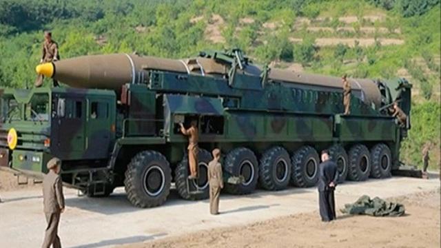 Mỹ đã có thể ám sát ông Kim Jong-un trong buổi thử ICBM, nhưng không làm, vì 2 lý do?