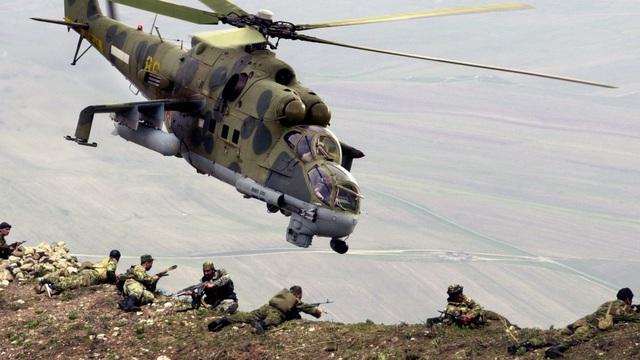 """Cuộc chiến 10 năm ở Afghanistan: Liên Xô đã lọt vào """"cái bẫy"""" đẫm máu như thế nào?"""