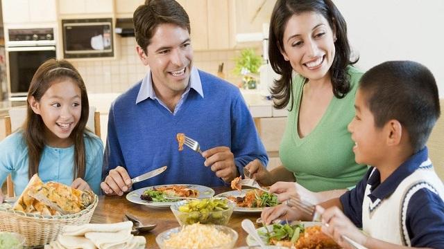 5 việc tuyệt đối không nên làm ngay sau bữa ăn
