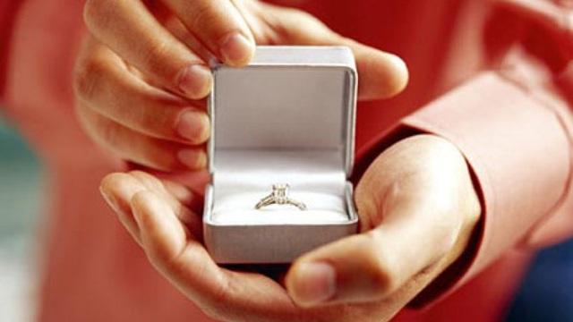 Chàng trai thiệt mạng ngay sau khi cầu hôn bạn gái: Nguyên nhân do ăn mừng không phải lối