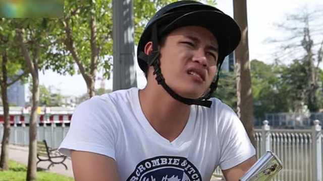 """""""Hot boy trà sữa"""" Lê Tấn Lợi đi đóng clip hài, có hẳn quản lý riêng"""