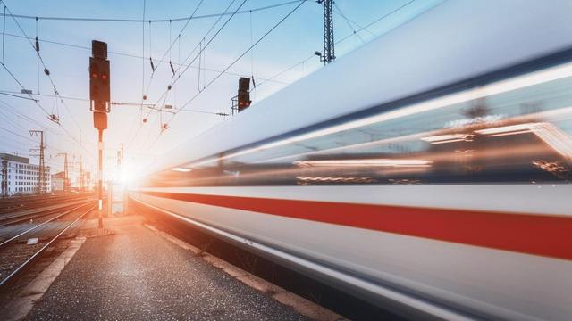 """Trung Quốc chế tạo tàu hỏa """"bay"""" siêu tốc, chạy nhanh gấp 3 lần vận tốc âm thanh"""