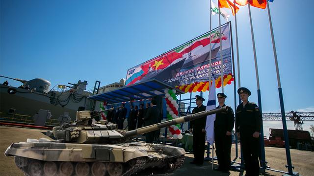 Hai loại vũ khí hiện đại nhất của Việt Nam được xếp cạnh nhau tại Triển lãm MAKS 2017
