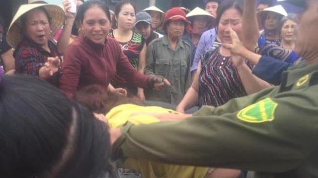 Thông tin mới về người phụ nữ bị dân vây bắt vì nghi thôi miên, lừa đảo