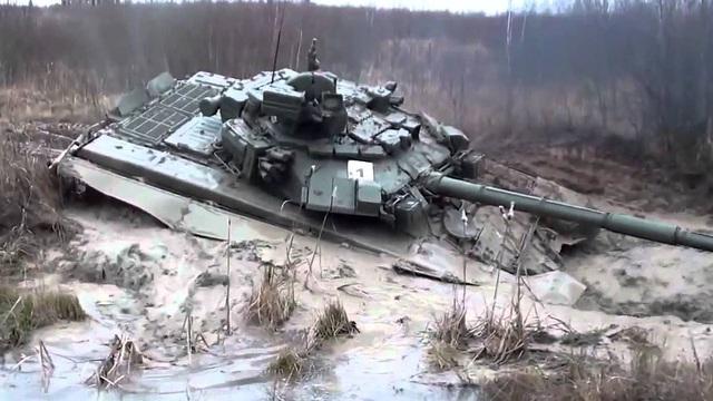 Cứu kéo xe tăng - Những chuyện dở cười, dở khóc