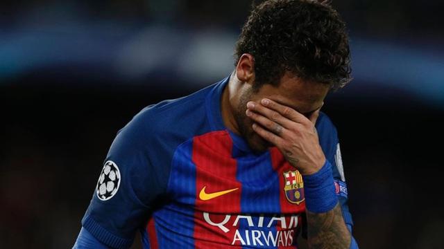 """Barca tung """"viên đạn cuối cùng"""" giải cứu Neymar trước El Clasico"""