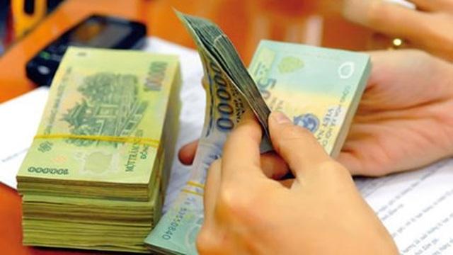 Chuyên gia Việt nói gì về việc tăng thuế VAT?
