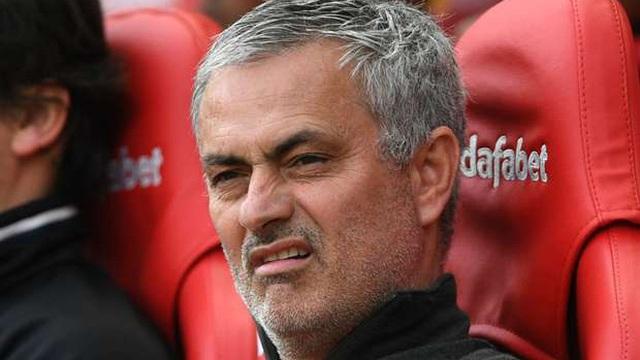 """Có Lindelof, Mourinho vẫn không """"buông tha"""" cho Real Madrid"""