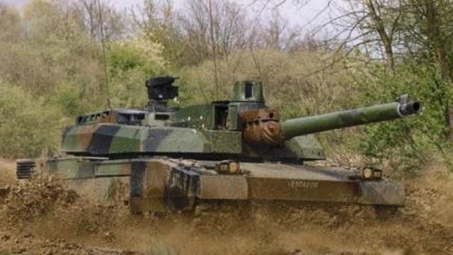 """Xe tăng Leclerc được Nga đón bằng tên lửa """"khủng"""""""