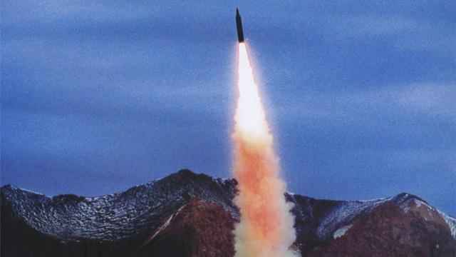 Tên lửa Trung Quốc diệt được mục tiêu bay nhanh gấp 10 lần đạn súng bắn