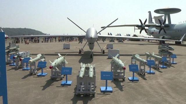 """Sai lầm trong xuất khẩu vũ khí khiến Mỹ có nguy cơ bị Trung Quốc """"đè đầu, cưỡi cổ"""""""