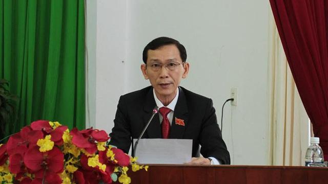 Chủ tịch Cần Thơ: Không chấp nhận thời trang 'cao bồi' ở công sở