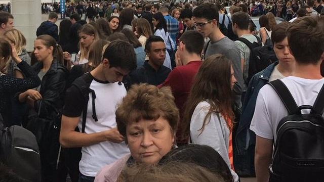 Nga sơ tán khẩn 20.000 người sau khi nhận đồng loạt nhiều cuộc gọi dọa đánh bom