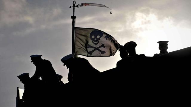 Tàu ngầm Mỹ bất ngờ treo cờ hải tặc sau khi hoàn thành nhiệm vụ bí ẩn ở Triều Tiên?