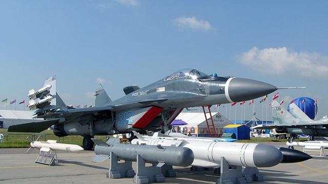 """Tiêm kích MiG-29K sắp bay rợp trời: """"Cửa thoát hiểm"""" đã mở"""