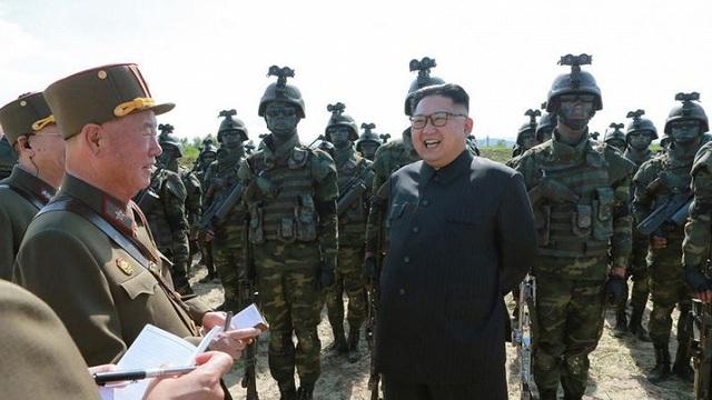 Ảnh hiếm đặc nhiệm Triều Tiên tập trận đổ bộ chiếm đảo