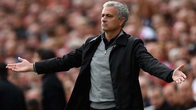 """MU vỗ về Mourinho: Lương siêu khủng, """"thả ga"""" tậu Griezmann & Ozil"""
