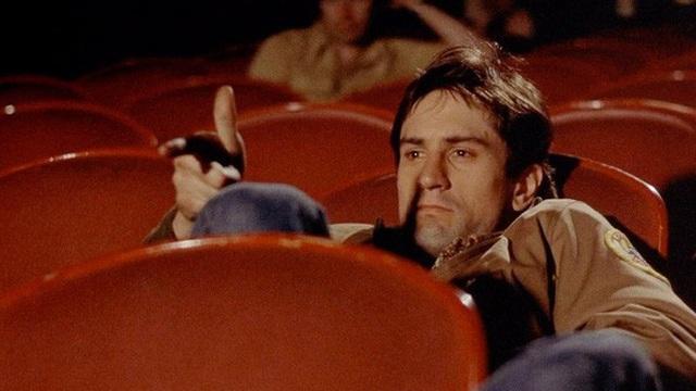 Chuyện éo le: Đi xem phim một mình xả stress ai ngờ ngồi cạnh luôn người yêu cũ và người yêu mới