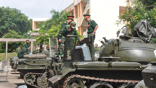 Trung tướng vẫn xách cặp đi học như học viên sĩ quan: Chuyện có một không hai trong QĐNDVN
