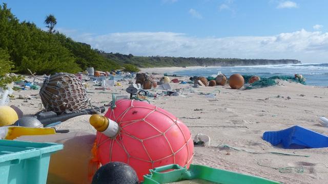 Hòn đảo xinh đẹp được UNESCO công nhận là Di sản Thế giới này đang phải hứng chịu gần 18 tấn rác thải