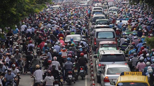 """Cách mạng 4.0 ở Việt Nam nên bắt đầu từ đâu? Câu trả lời: """"Hãy nhìn đường phố"""""""