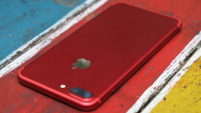 Apple ra iPhone 7 đỏ, người đau nhất chính là Samsung?
