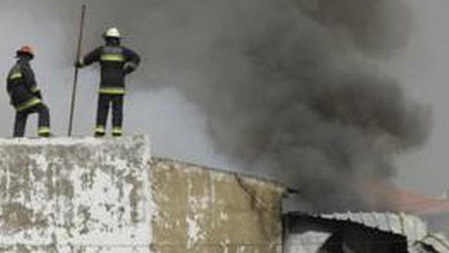 Máy bay lao xuống bãi đậu xe gần siêu thị tại Bồ Đào Nha, không một ai sống sót