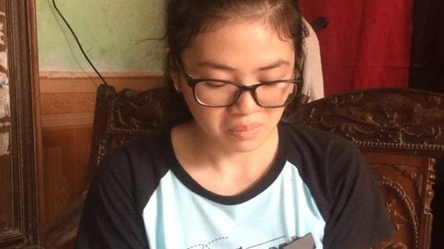 """Nữ sinh chịu tang mẹ đạt 27,8 điểm kỳ thi THPT Quốc gia: """"Ước mơ của mẹ là em vào trường Ngoại thương"""""""