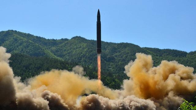 """Hawaii """"vắt óc"""" ứng phó với tên lửa đạn đạo Triều Tiên"""