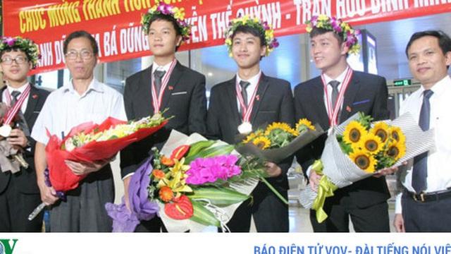 Chia sẻ của đoàn học sinh đạt huy chương Vàng Olympic Vật lý quốc tế