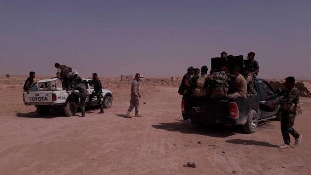 """Trận chiến Raqqa bùng phát dữ dội, """"Hổ Syria"""" mất hơn 40 binh sĩ"""