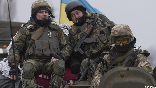 Mỹ đào tạo trinh sát cho Ukraine để hoạt động ở Donbass