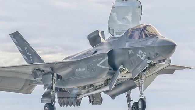 """F-35: """"Kiệt tác"""" của Mỹ và phương Tây?"""