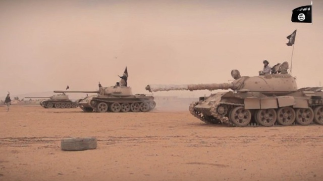 """IS dồn binh lực quyết chiến Deir Ezzor: Tướng đặc nhiệm """"Hổ Syria"""" đang bị vây khốn"""
