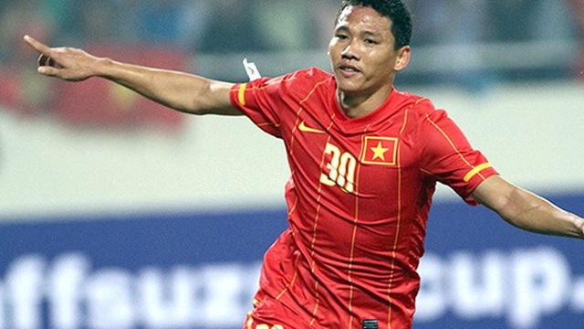 """""""Lão tướng"""" Anh Đức lên tuyển, Huỳnh Đức... thở dài cho bóng đá Việt"""