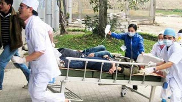 Hà Giang: 3 người chết, 25 người nhập viện vì ngộ độc sau lễ ăn hỏi
