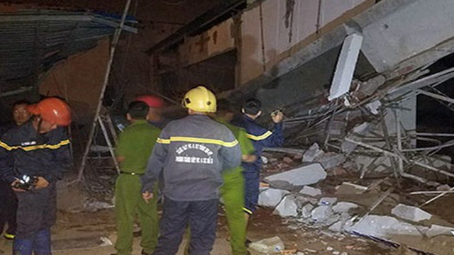 Sập công trình xây dựng siêu thị, 4 người bị thương