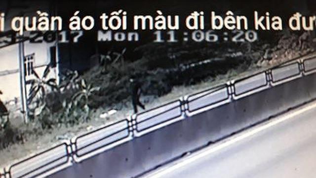 Diễn biến mới nhất vụ tài xế taxi mất tích, trên ô tô rơi đầy vết máu