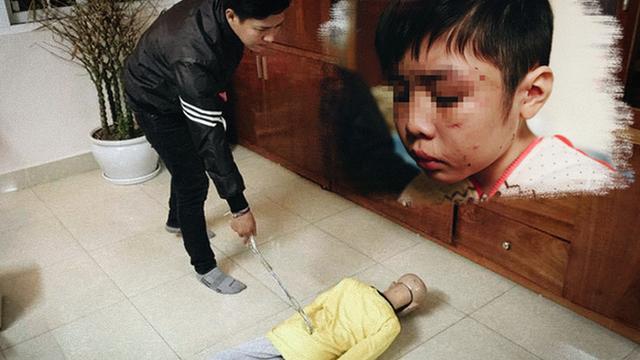 Bắt tạm giam bố đẻ, cấm mẹ kế xuất cảnh vì bạo hành con trai 10 tuổi
