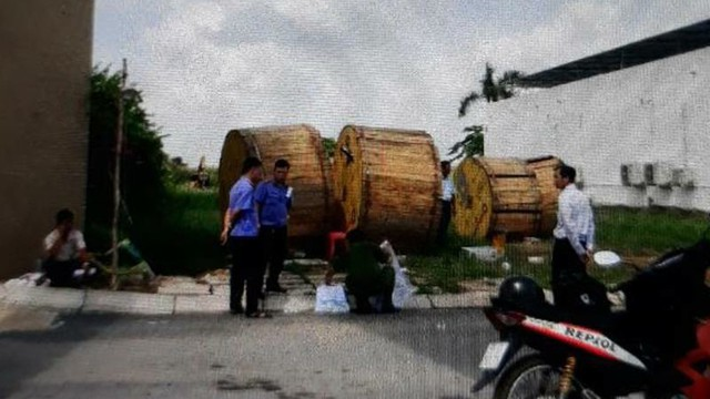 Băng nhóm đi xe tải dùng súng khống chế bảo vệ cướp tài sản trị giá 2.5 tỷ đồng ở Sài Gòn