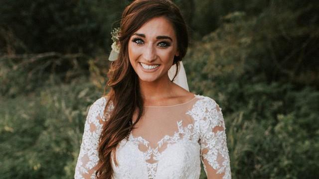 Bó hoa cưới xinh đẹp đã biến ngày vui của cô dâu, chú rể thành một cơn ác mộng