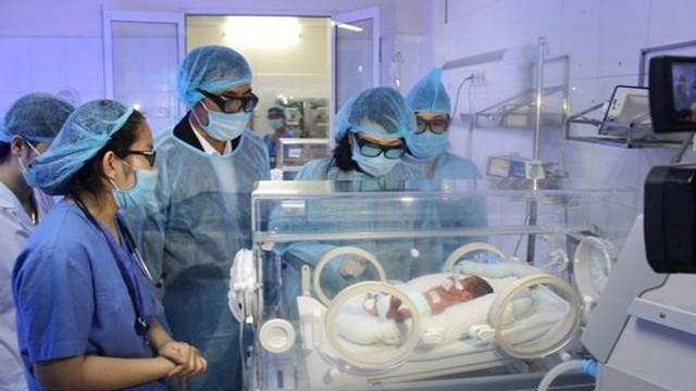 Bộ Y tế yêu cầu huy động tối đa khả năng cứu các bé chuyển từ BV Sản Nhi Bắc Ninh