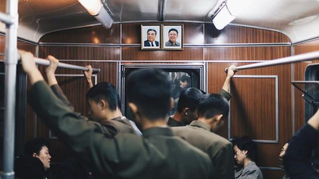 Người Hong Kong kể trải nghiệm thú vị khi đi tàu điện ngầm ở Triều Tiên