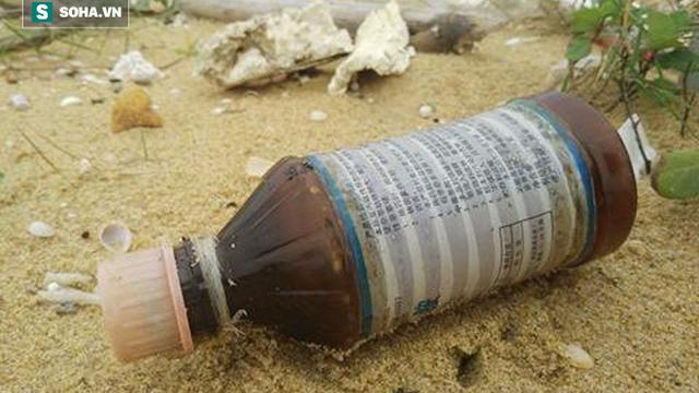 Nhiều km bờ biển tỉnh Quảng Nam ngập tràn rác thải có chữ Trung Quốc
