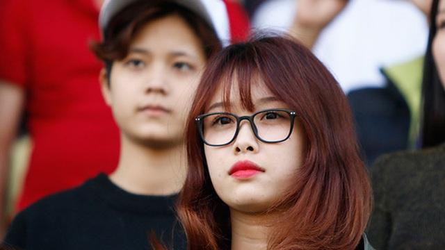 Bạn gái bí ẩn của tiền đạo Văn Toàn: Nhiều người tò mò