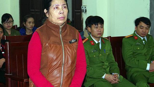 Giúp việc hành hạ con gia chủ lĩnh 15 tháng tù