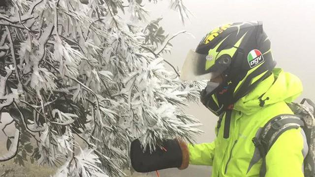 Băng tuyết xuất hiện ở Mẫu Sơn, dân mạng thích thú khoe ảnh độc