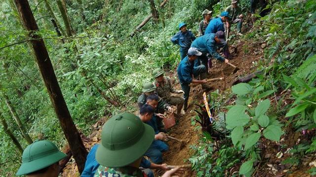 Hành trình tìm kiếm chiếc máy bay rơi trên đỉnh Tam Đảo 47 năm trước