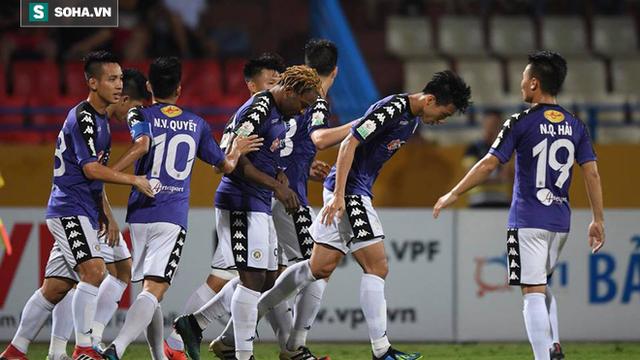 """Hà Nội FC bị """"đá bay"""" khỏi Cúp Quốc gia sau trận cầu căng thẳng đến tột đỉnh"""